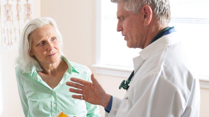dr-woman-senior